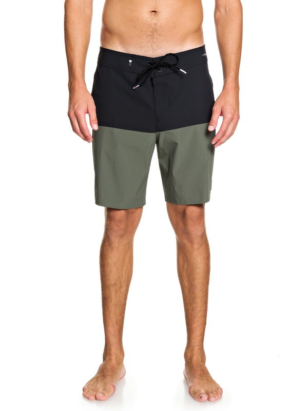 "0 Highline 50 Solid 18"" Boardshorts Brown EQYBS04068 Quiksilver"