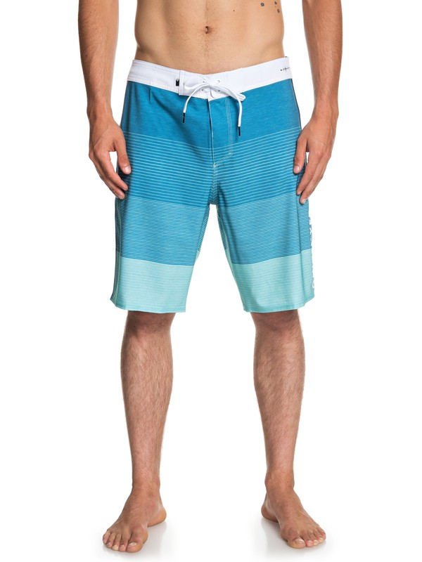 "0 Highline Massive 20"" Boardshorts Blue EQYBS04086 Quiksilver"