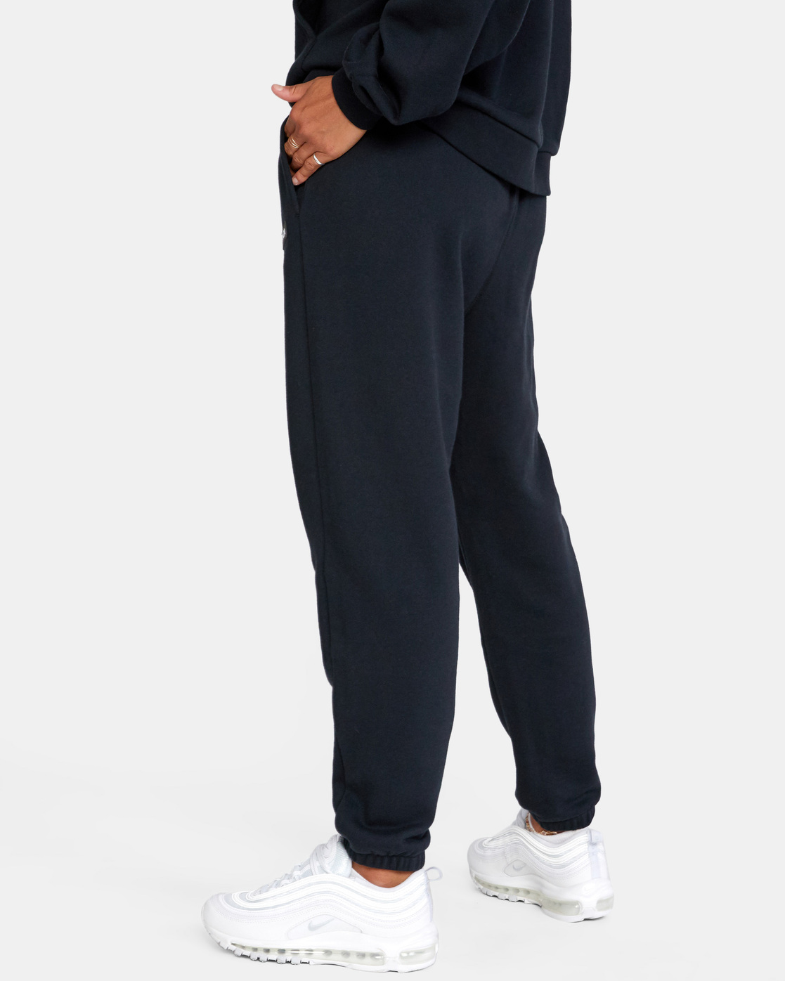 4 VA ESSENTIAL JOGGER SWEATPANTS Black AVJFB00104 RVCA