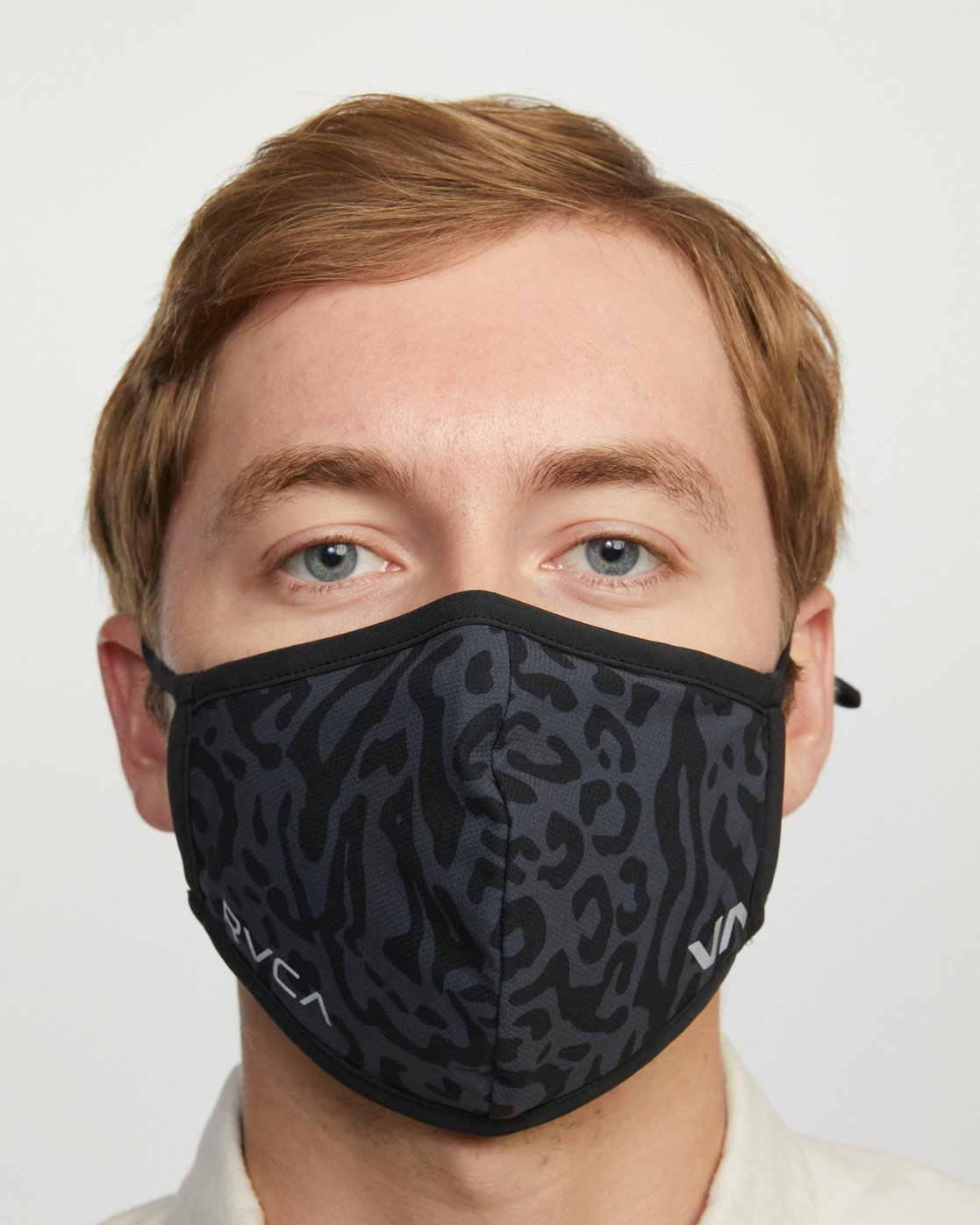 7 YOGGER ADJUSTABLE MASK  Black AVYAA00150 RVCA