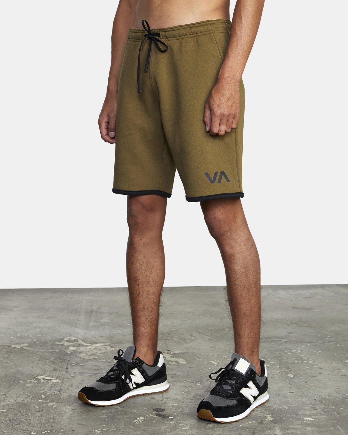 "4 VA SPORT IV SWEAT SHORT 19"" Green AVYWS00135 RVCA"