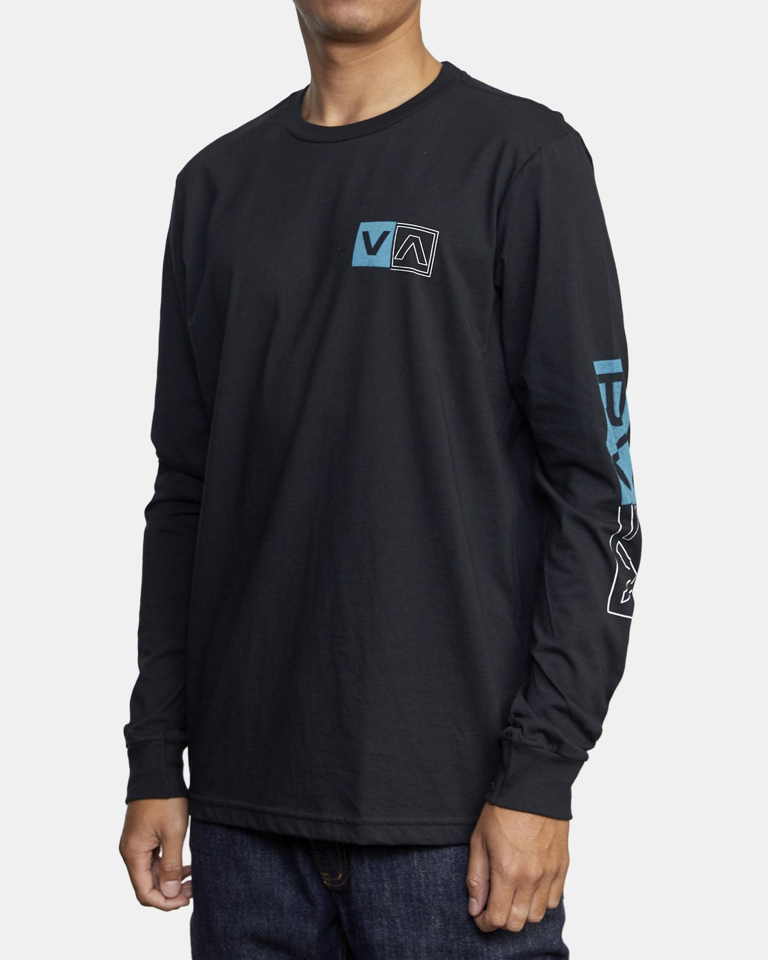 4 DIVIDES LONG SLEEVE TEE Black AVYZT00134 RVCA