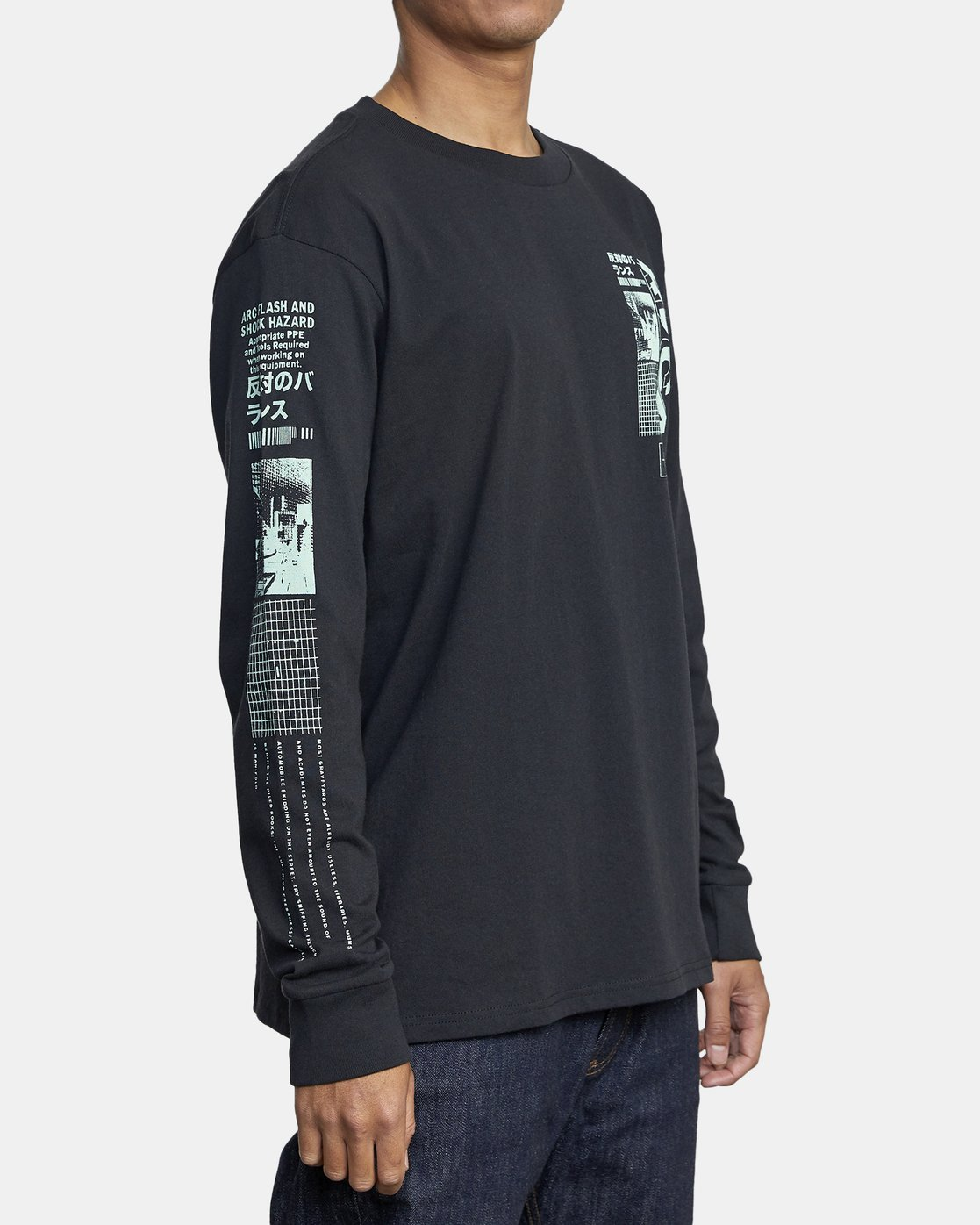 3 FUTURIST LONG SLEEVE TEE Black AVYZT00170 RVCA