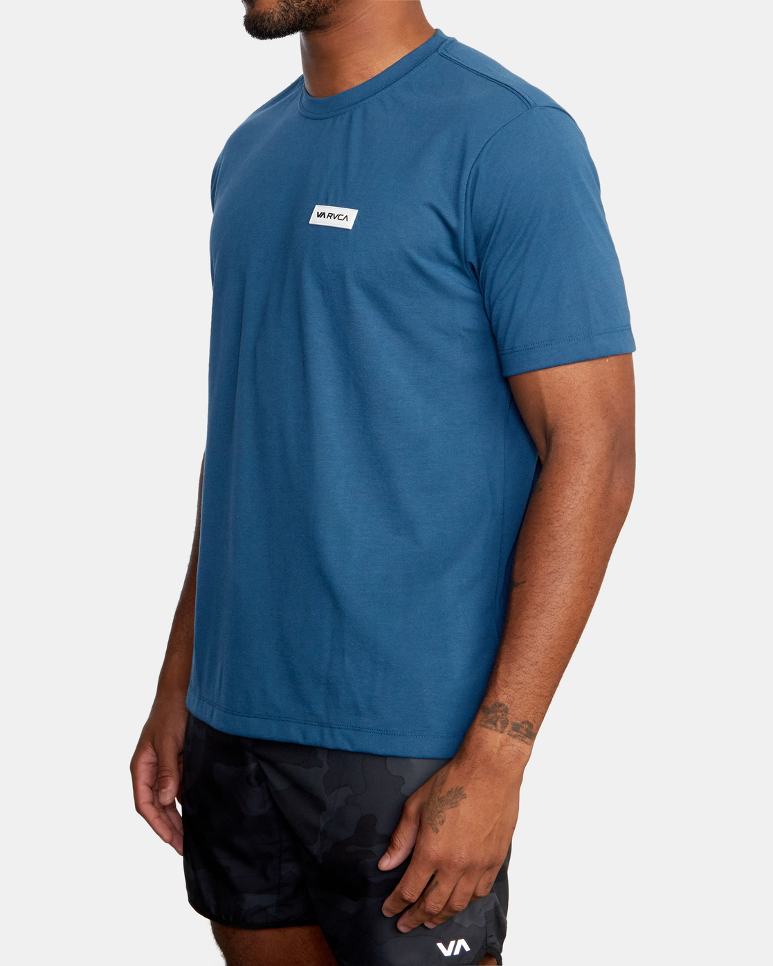4 ICON SHORT SLEEVE PERFORMANCE TEE Blue AVYZT00184 RVCA