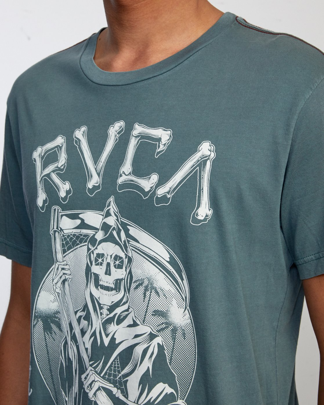 3 TROUBLE IN PARADISE SHORT SLEEVE TEE Purple AVYZT00253 RVCA