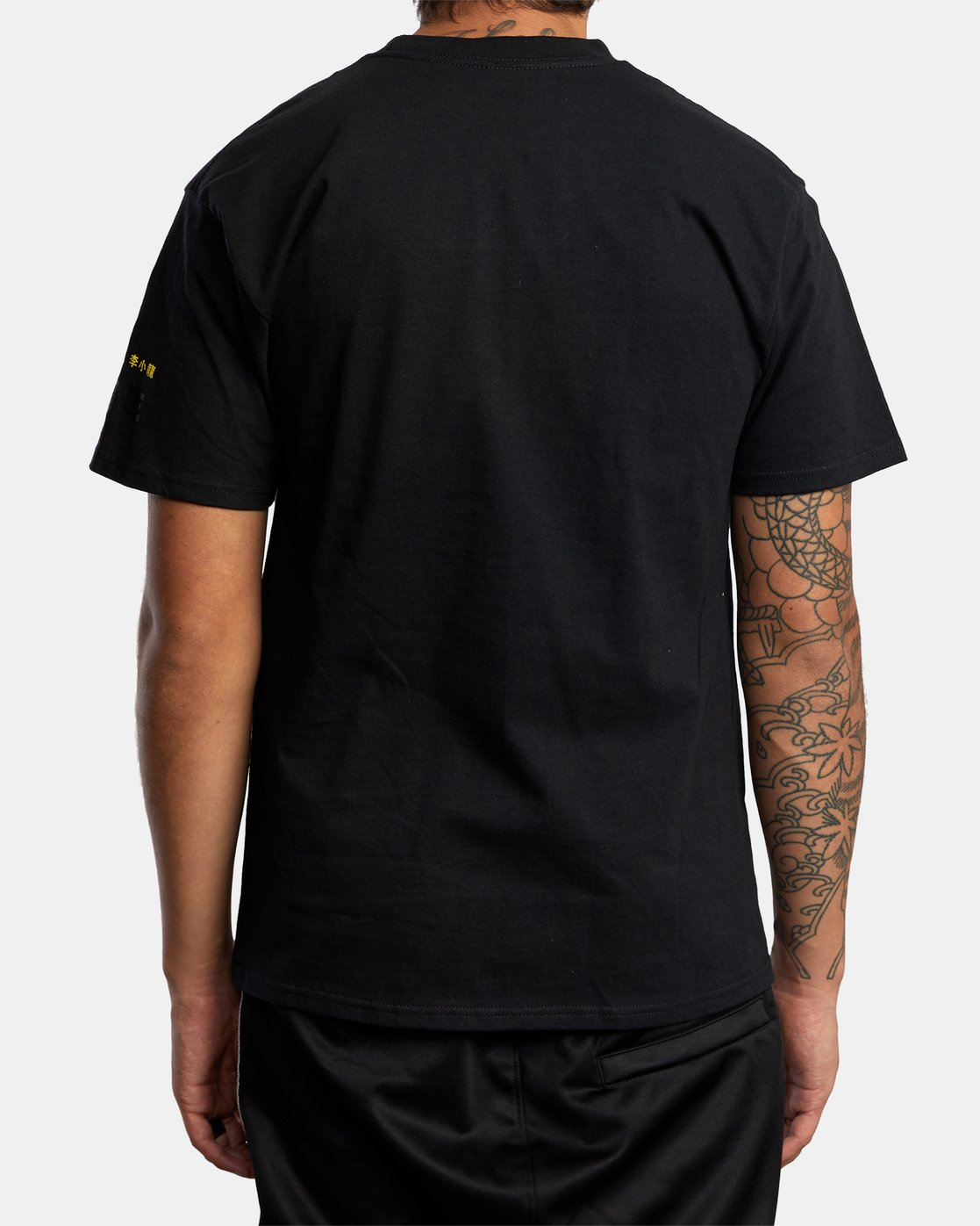 2 BRUCE LEE AS YOU THINK SHORT SLEEVE TEE Black AVYZT00401 RVCA