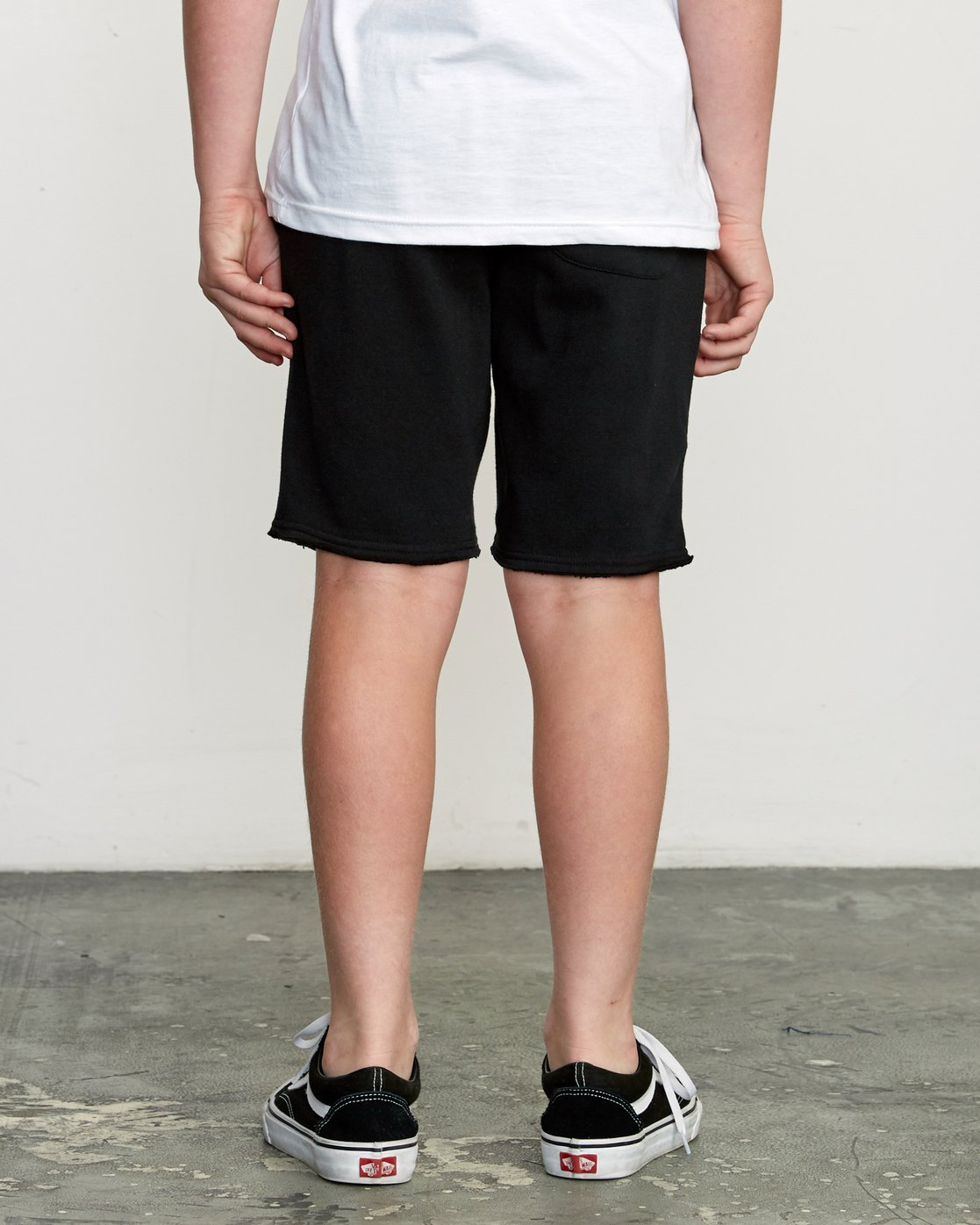 4 Boy's Ripper Fleece Sweatshort Black B201URRI RVCA