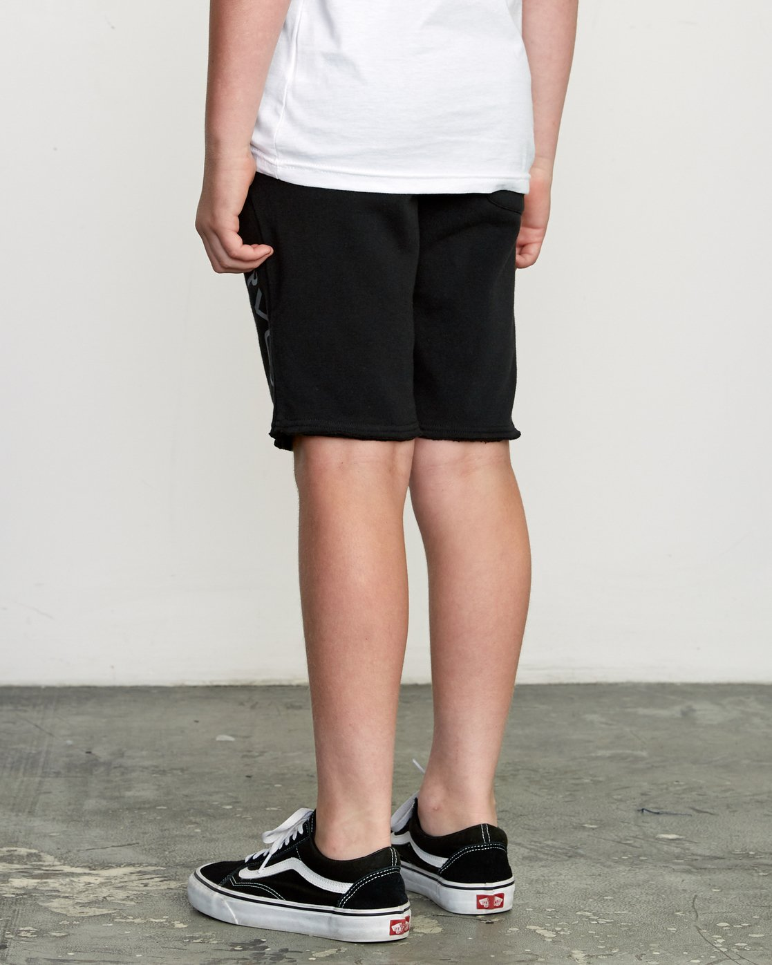 3 Boy's Ripper Fleece Sweatshort Black B201URRI RVCA