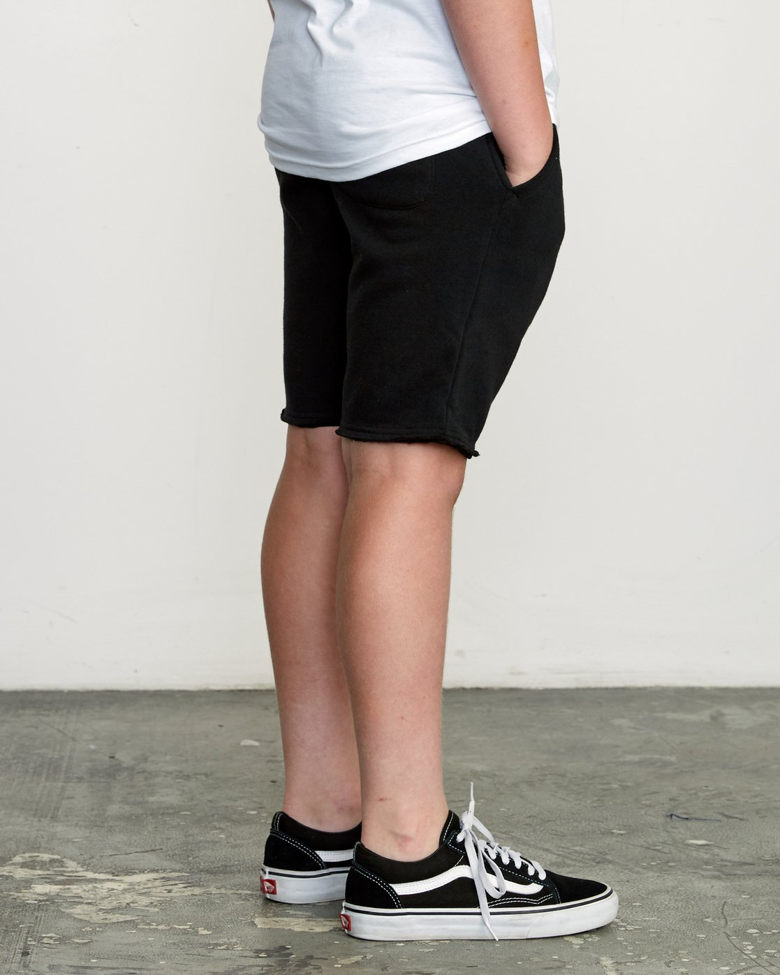 5 Boy's Ripper Fleece Sweatshort Black B201URRI RVCA