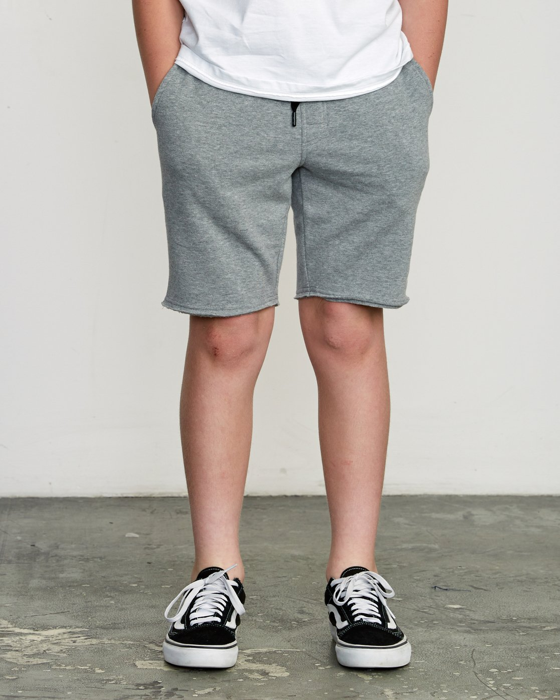 1 Boy's Ripper Fleece Sweatshort Grey B201URRI RVCA
