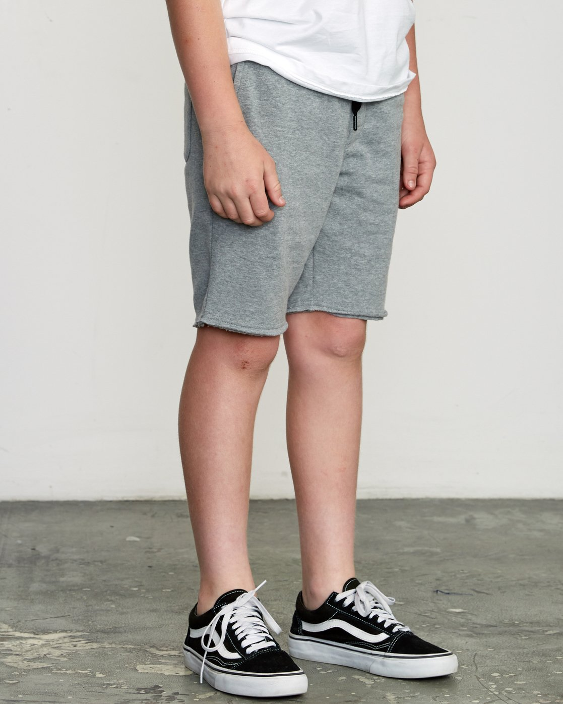 6 Boy's Ripper Fleece Sweatshort Grey B201URRI RVCA