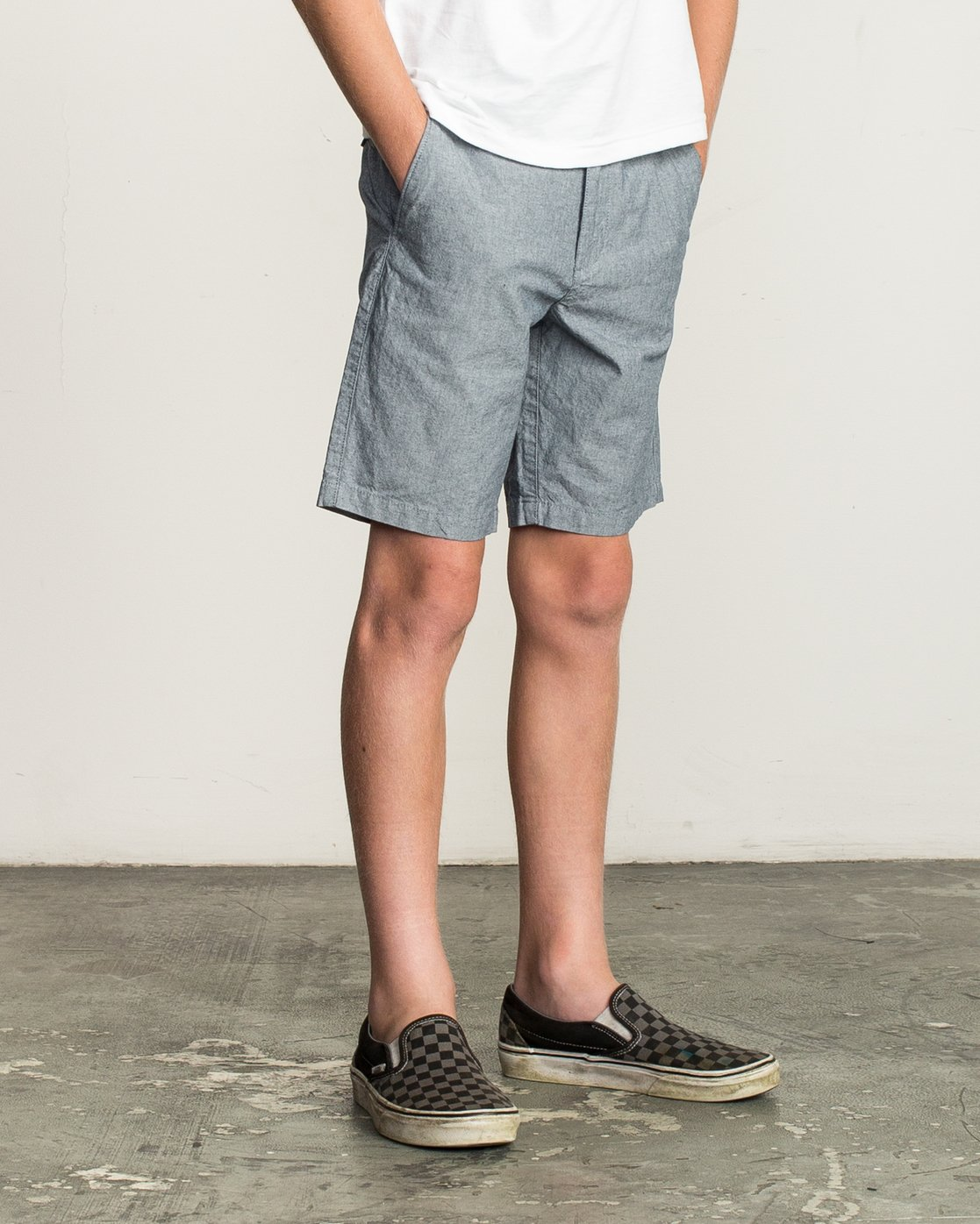 6 Boys That'll Walk Oxford Short Blue B210TRTW RVCA