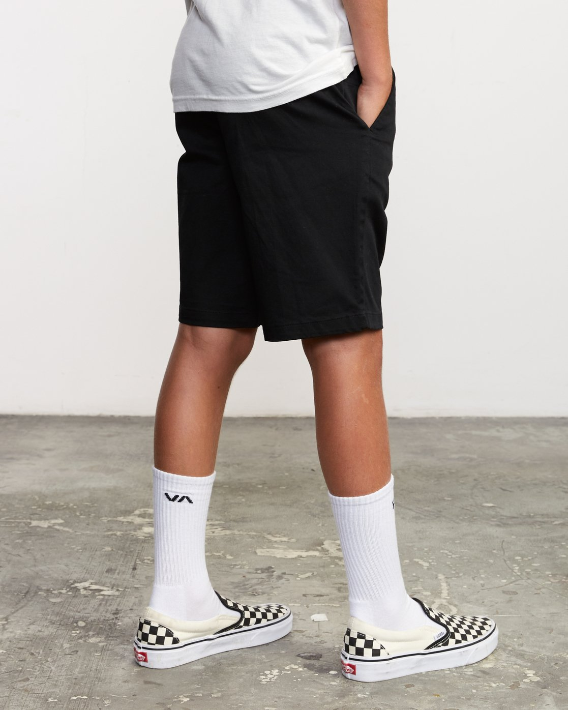 6 Boys Weekday Stretch Short Black B240TRWD RVCA
