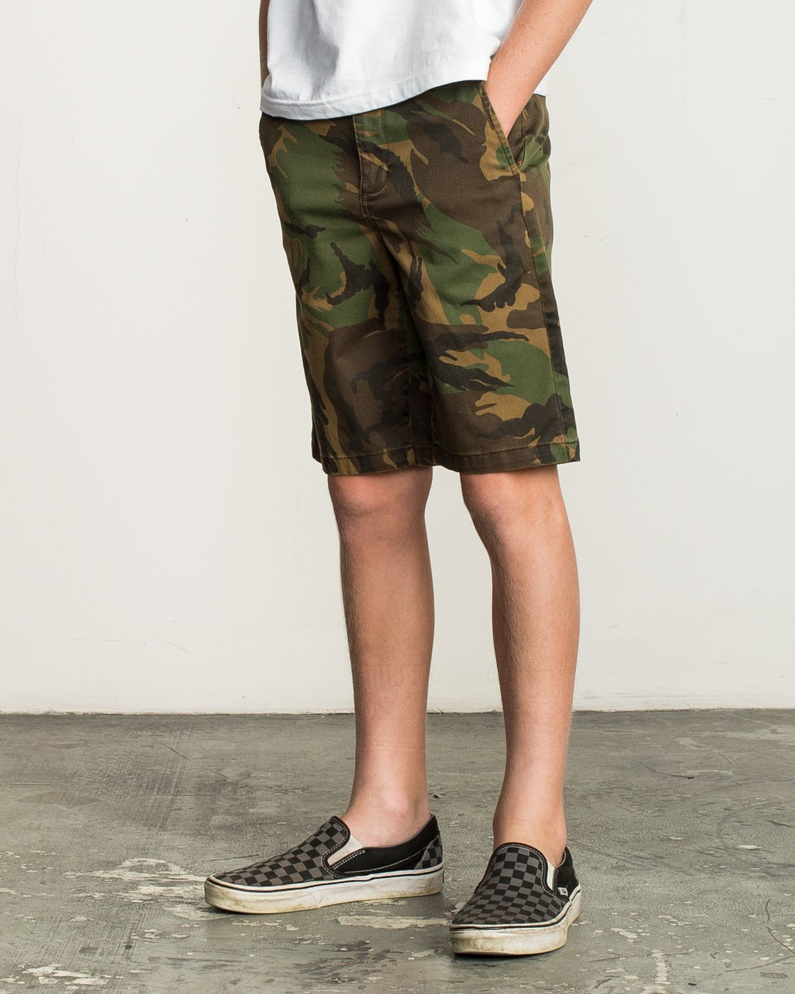 2 Boy's Weekday Stretch Short Camo B240TRWD RVCA