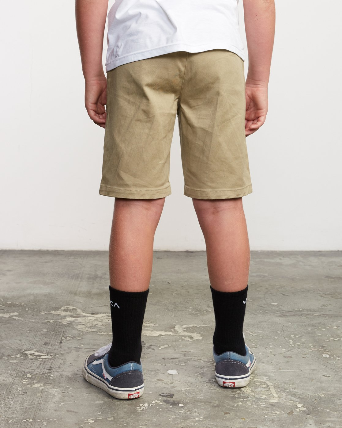 3 Boys Weekday Stretch Short Beige B240TRWD RVCA