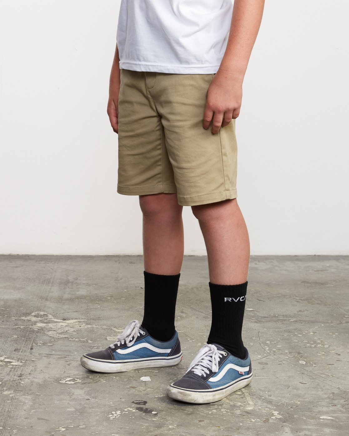 4 Boys Weekday Stretch Short Beige B240TRWD RVCA
