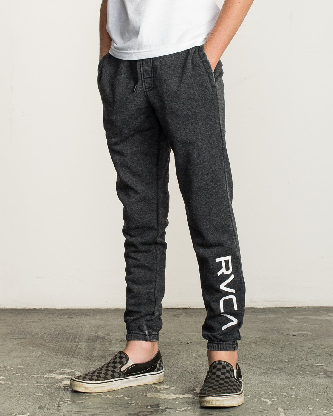 1 Boy's VA Guard Fleece Sweatpant Black B301QRGU RVCA