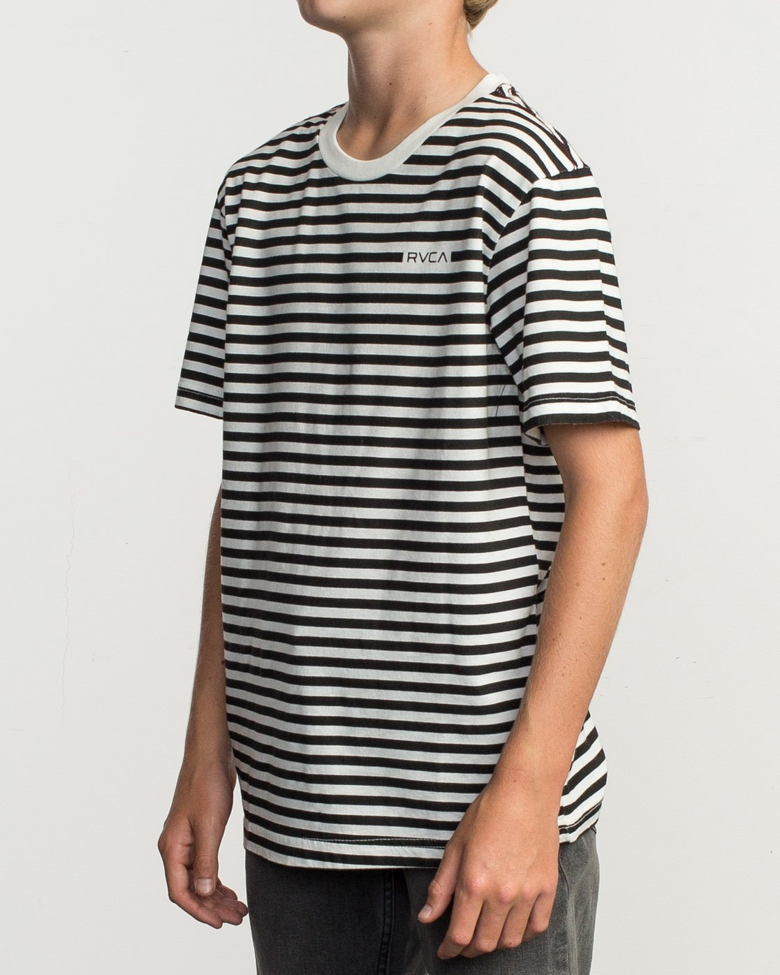 2 Boy's House Stripe T-Shirt  B406TRHO RVCA