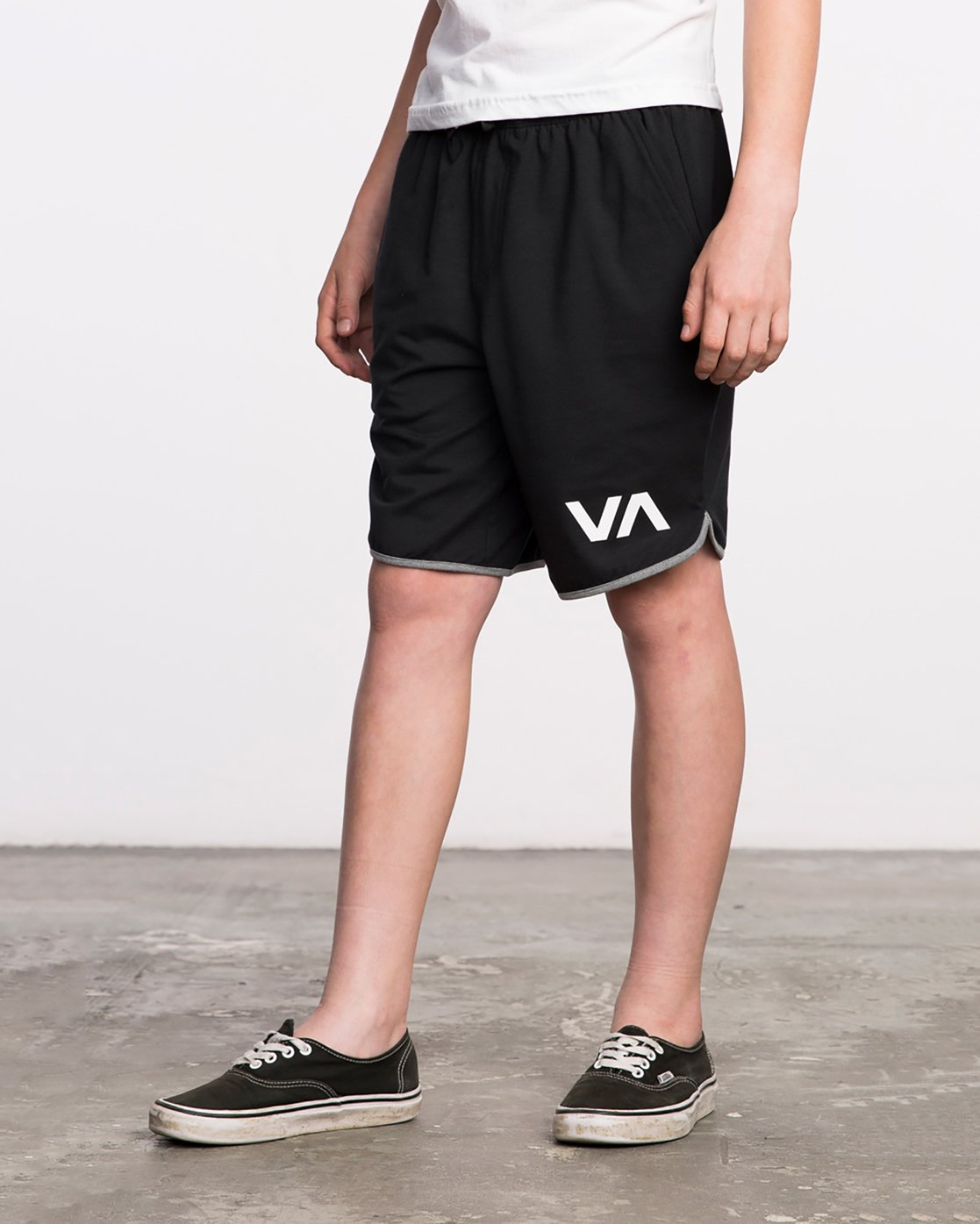 2 Boy's VA Sport Short II Black BL201SPO RVCA