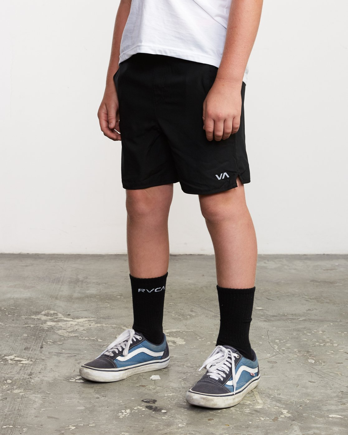 "2 Boy's Yogger 3 15"" Short Black BL204YGR RVCA"