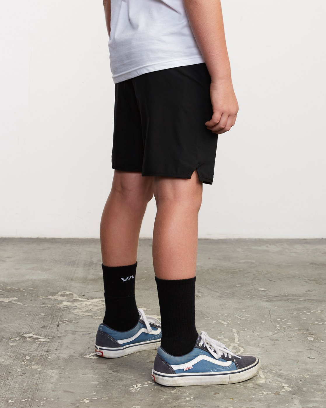 "5 Boy's Yogger 3 15"" Short Black BL204YGR RVCA"