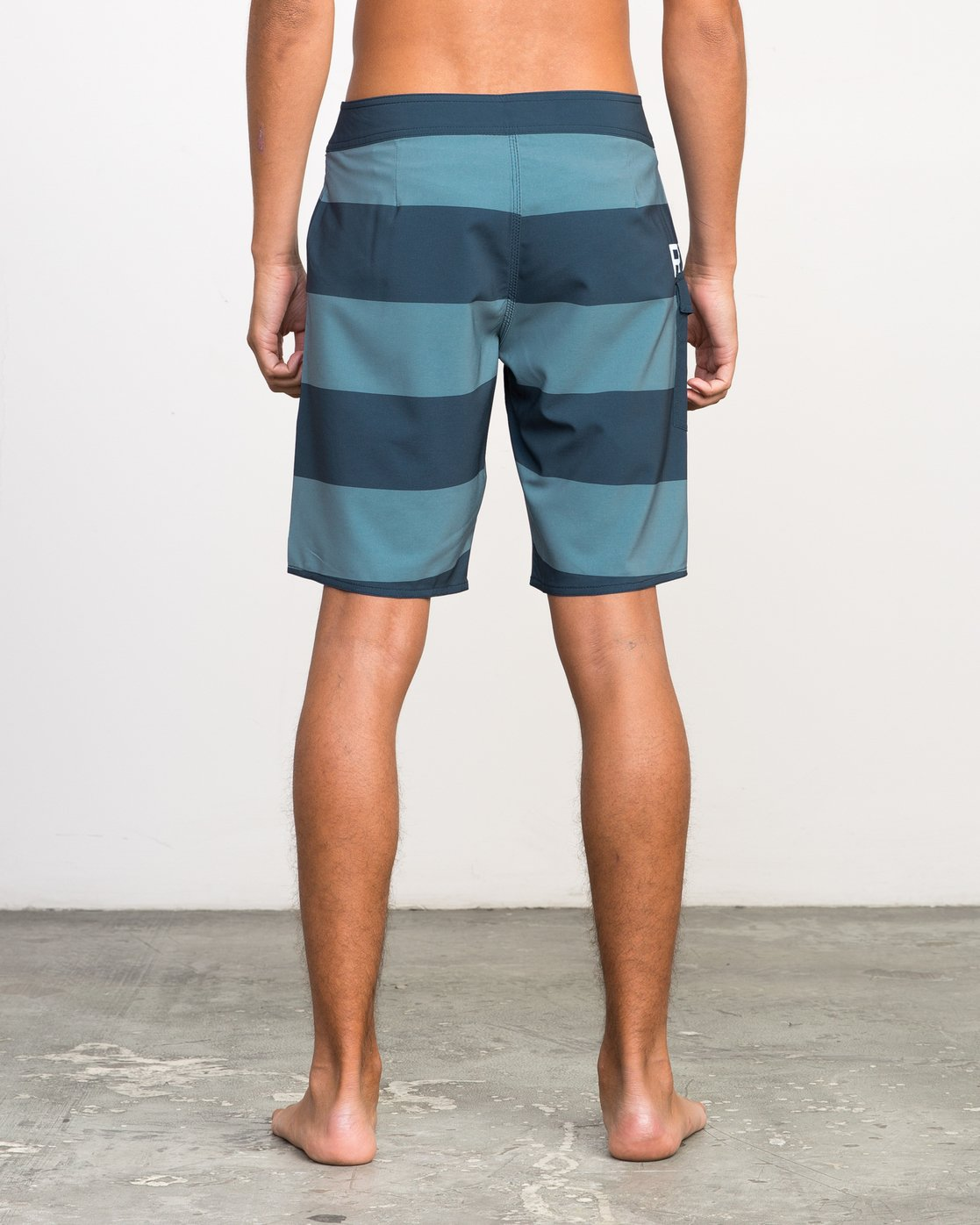 4 UNCIVIL STRIPE TRUNK  H1BSRDRVP8 RVCA