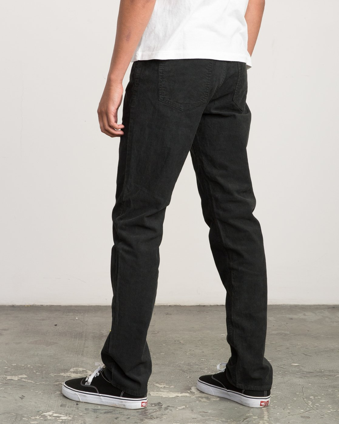 2 Campbell Bros Daggers Pigment - Corduroy Denim Trousers for Men Black L1PNRDRVF8 RVCA
