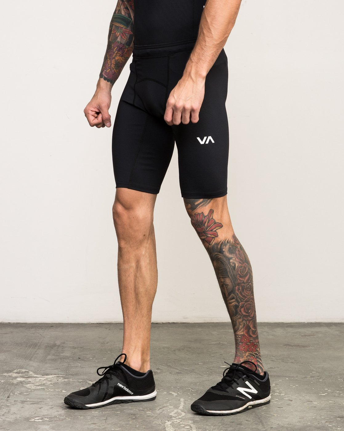2 VA Performance - Sports Short for Men Black L4WKMMRVF8 RVCA