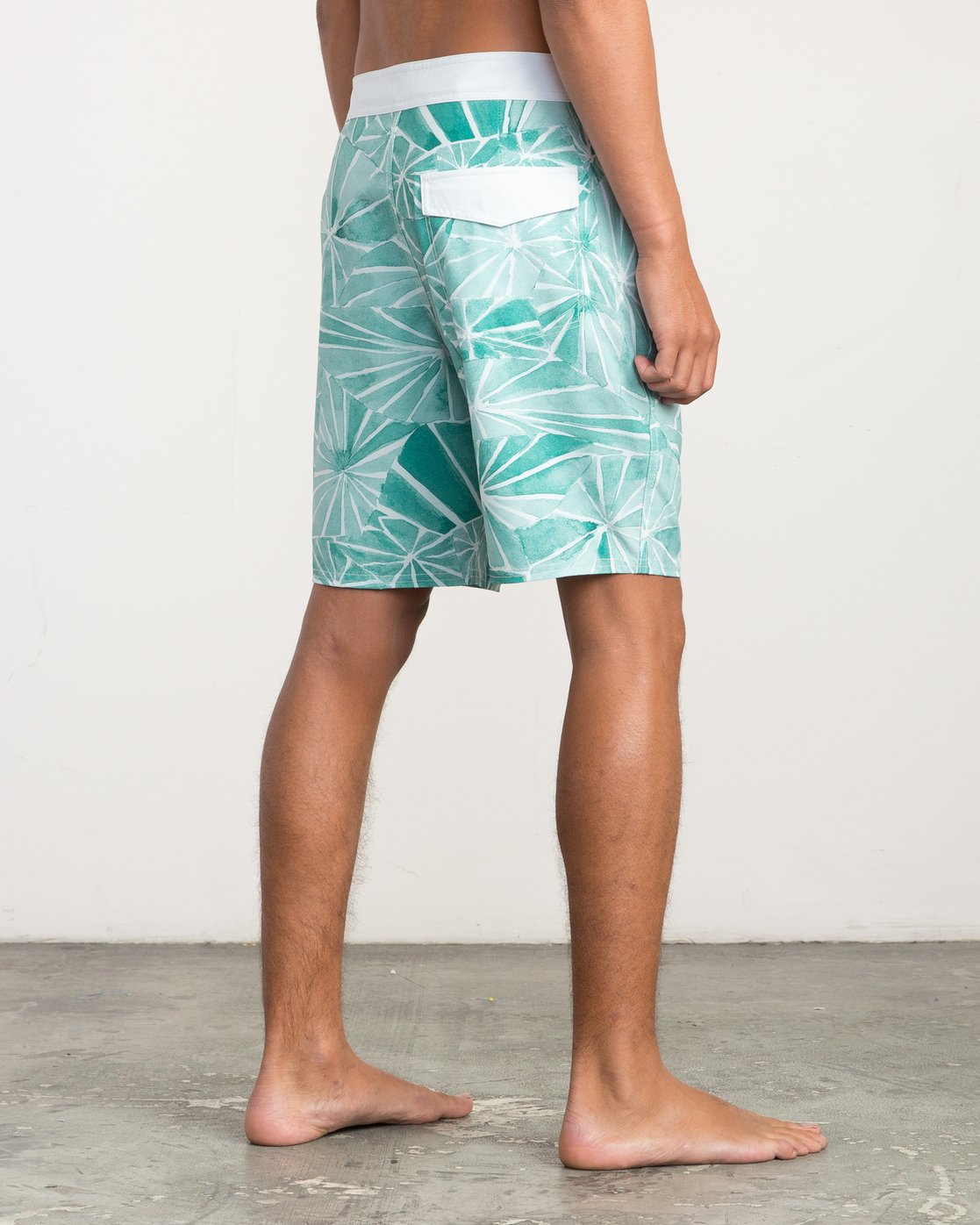 "5 Blade Printed 20"" Boardshort Green M105QRBL RVCA"