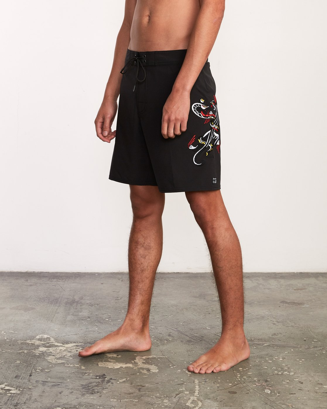 "2 Colin And Bert 19"" Boardshort Black M110URCB RVCA"