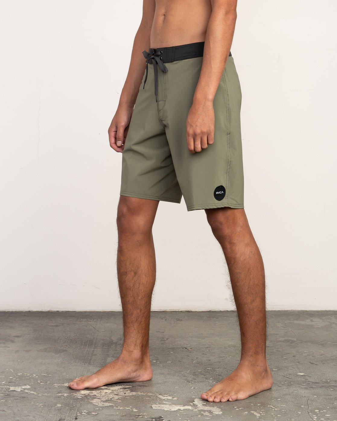 "2 VA Solid 19"" Boardshort Brown M154TRVA RVCA"