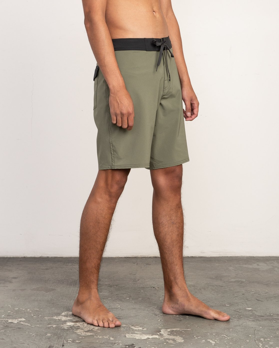 "6 VA Solid 19"" Boardshort Brown M154TRVA RVCA"