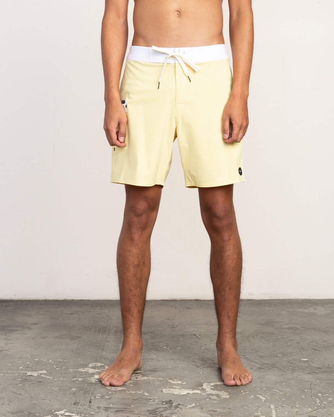 "1 Higgins 17"" Boardshort Yellow M159TRHI RVCA"