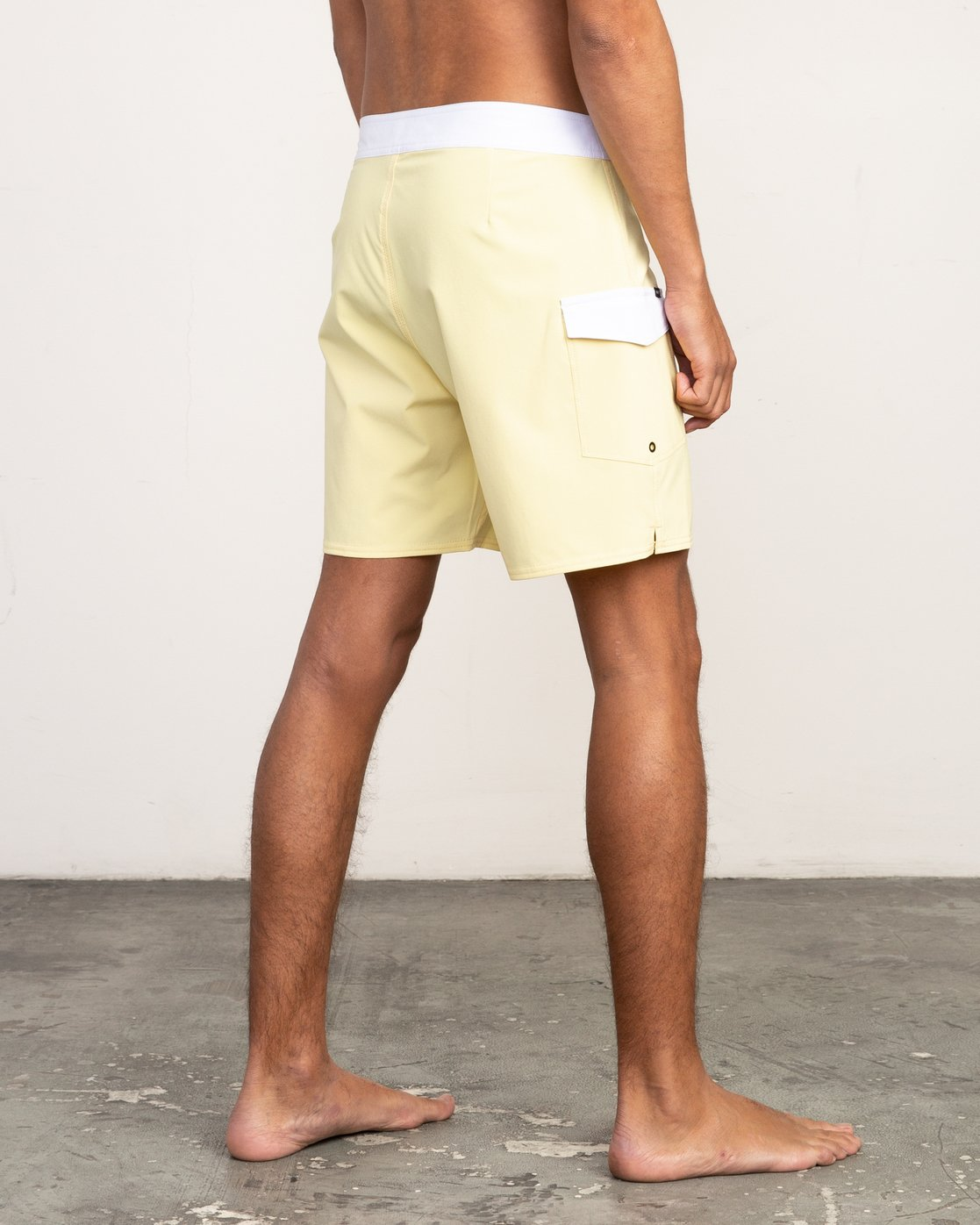 "5 Higgins 17"" Boardshort Yellow M159TRHI RVCA"