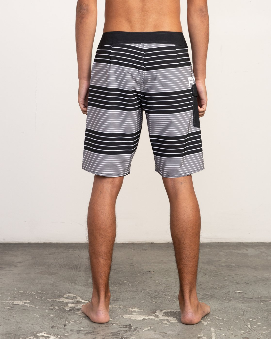 "4 Uncivil Stripe 20"" Boardshort Black M164TRUN RVCA"
