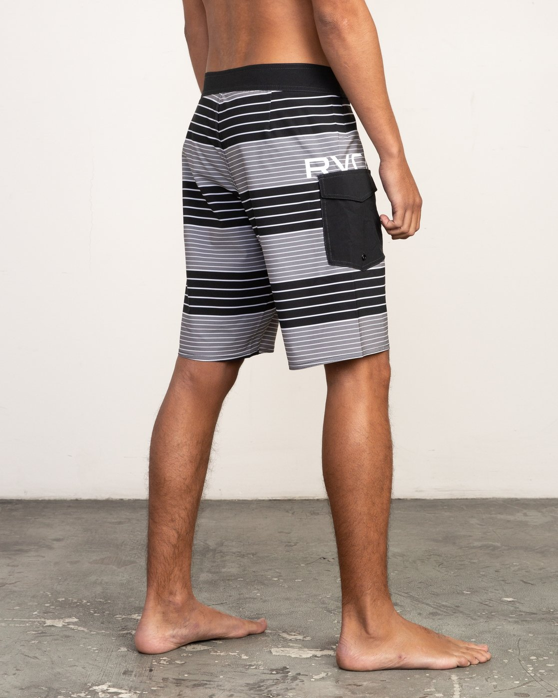 "5 Uncivil Stripe 20"" Boardshort Black M164TRUN RVCA"