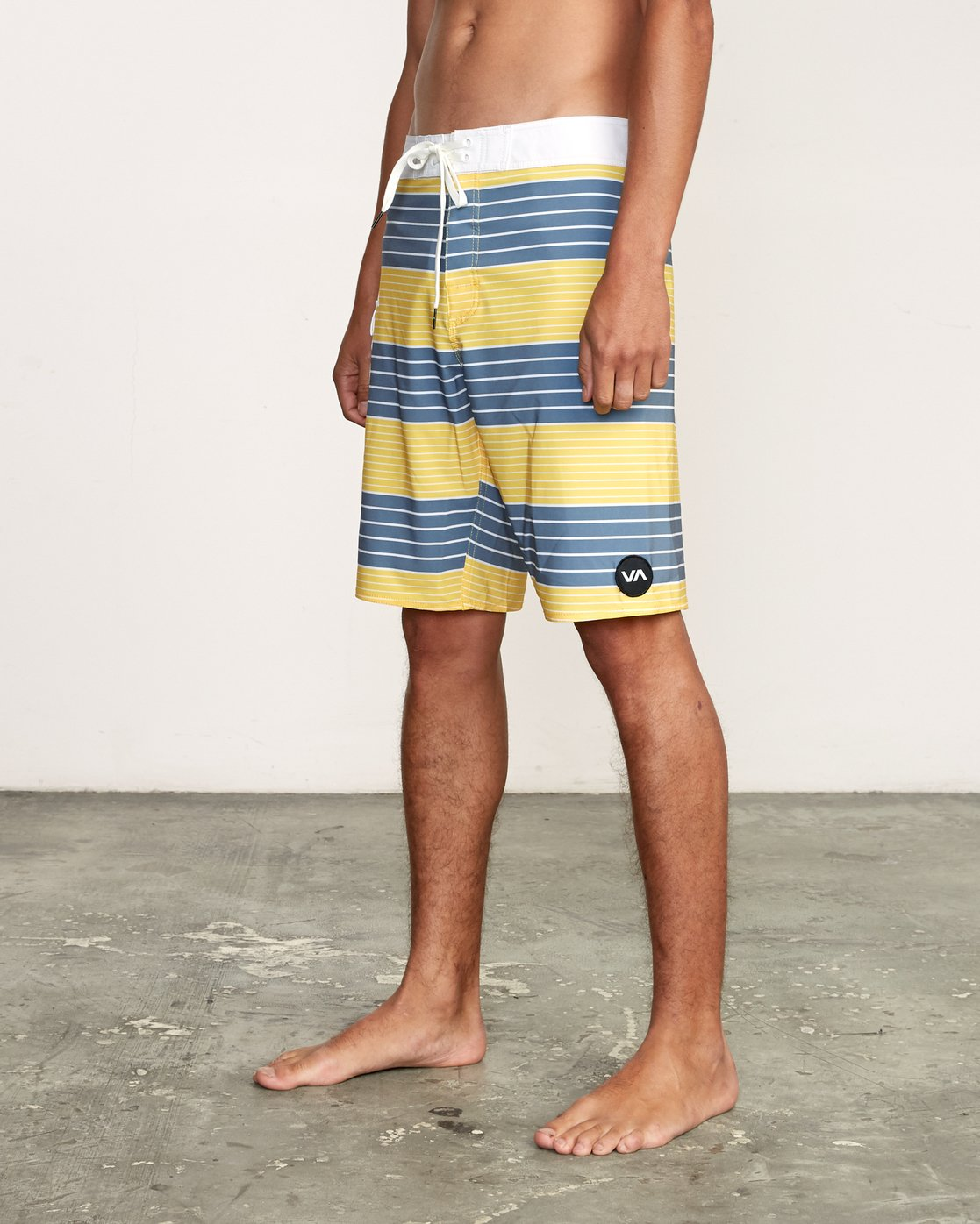"2 Uncivil Stripe 20"" Boardshort Yellow M164TRUN RVCA"