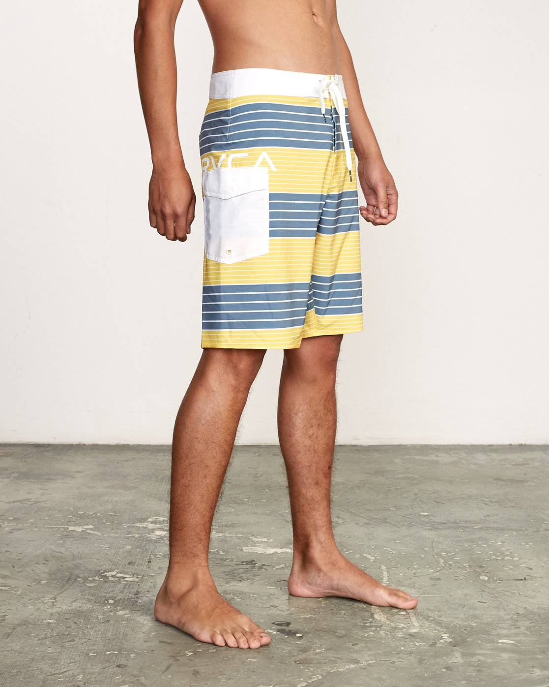 "6 Uncivil Stripe 20"" Boardshort Yellow M164TRUN RVCA"