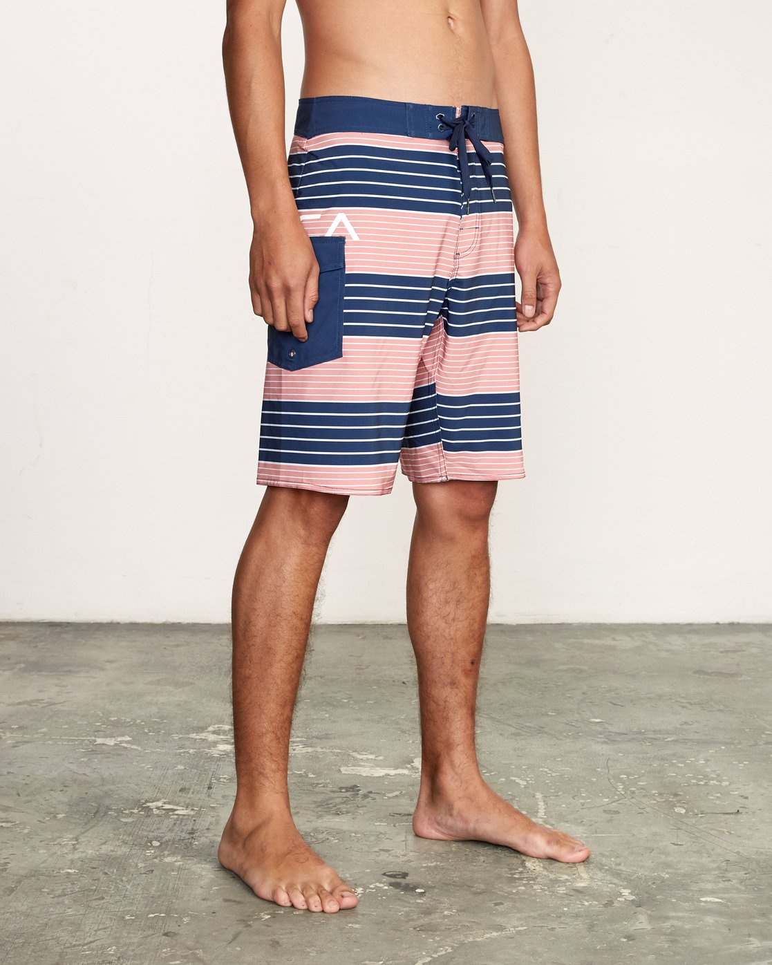 "6 Uncivil Stripe 20"" Boardshort Grey M164TRUN RVCA"