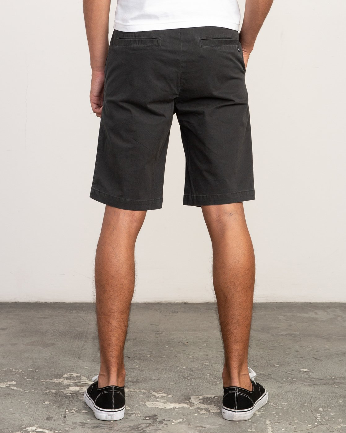 "4 DAGGERS 19"" CHINO SHORT Black M202TRDC RVCA"