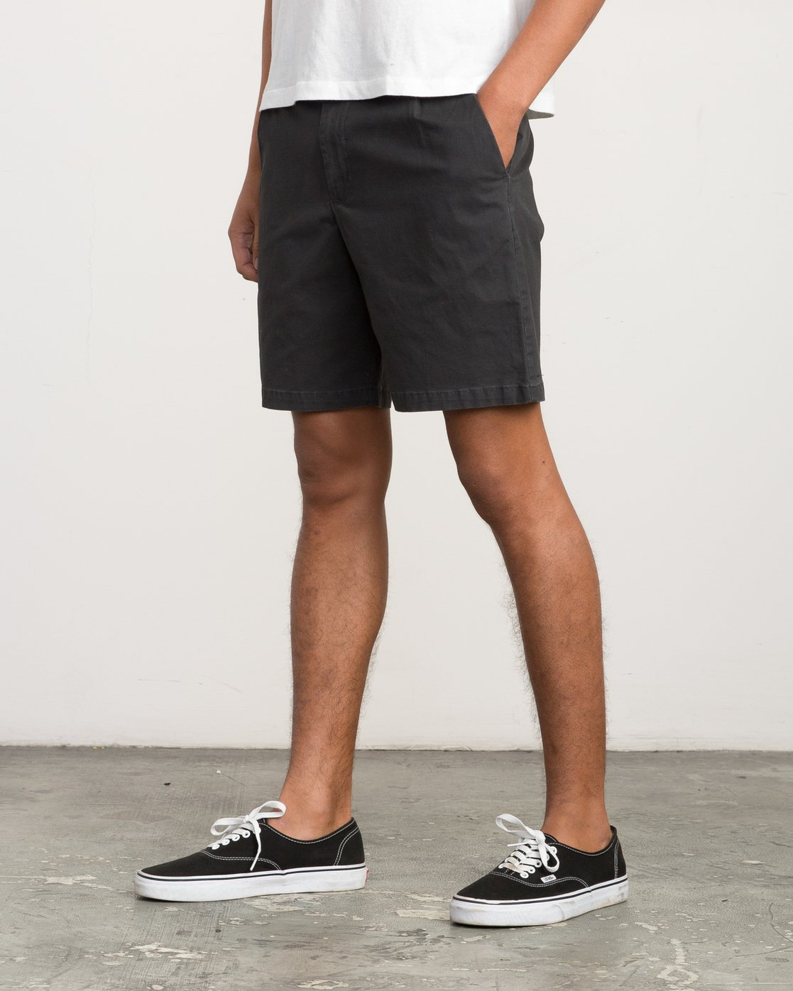 2 Chaos Chino Short Black M203QRCH RVCA
