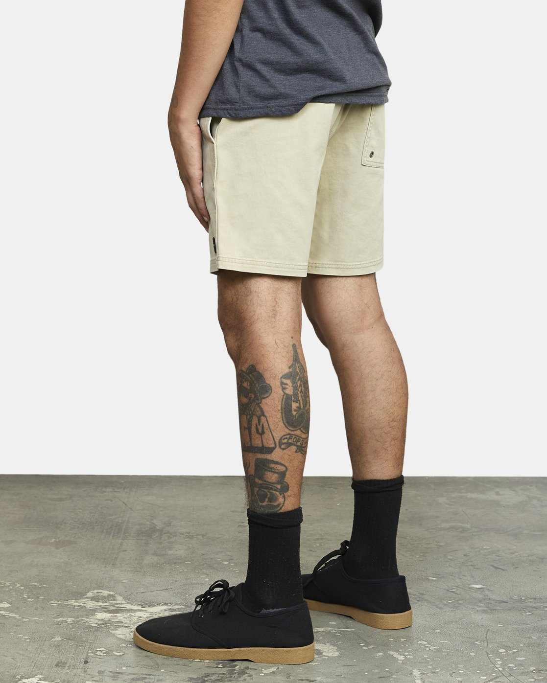 "5 ESCAPE 17"" ELASTIC SHORT Beige M2041RES RVCA"