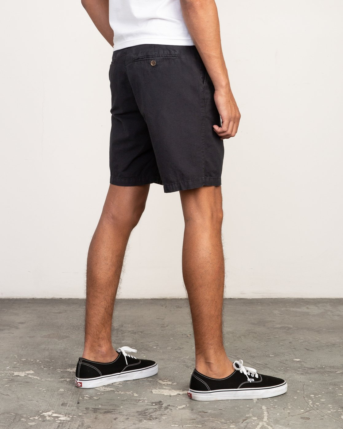 5 Butterball Over Dye Short Black M205PRBU RVCA