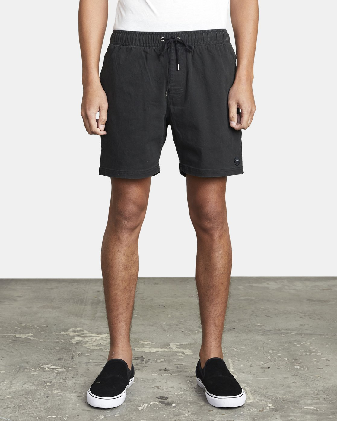 "2 ESCAPE 17"" ELASTIC SHORT Black M2073REE RVCA"