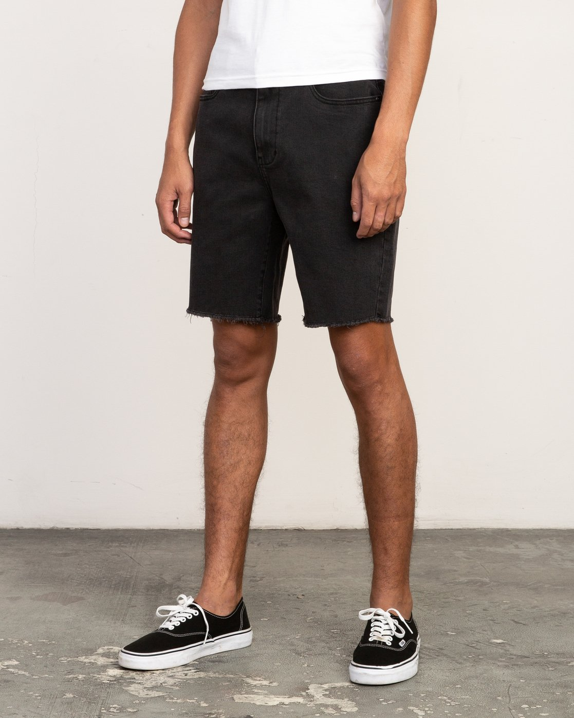 2 Daggers Denim Short Black M208TRDV RVCA