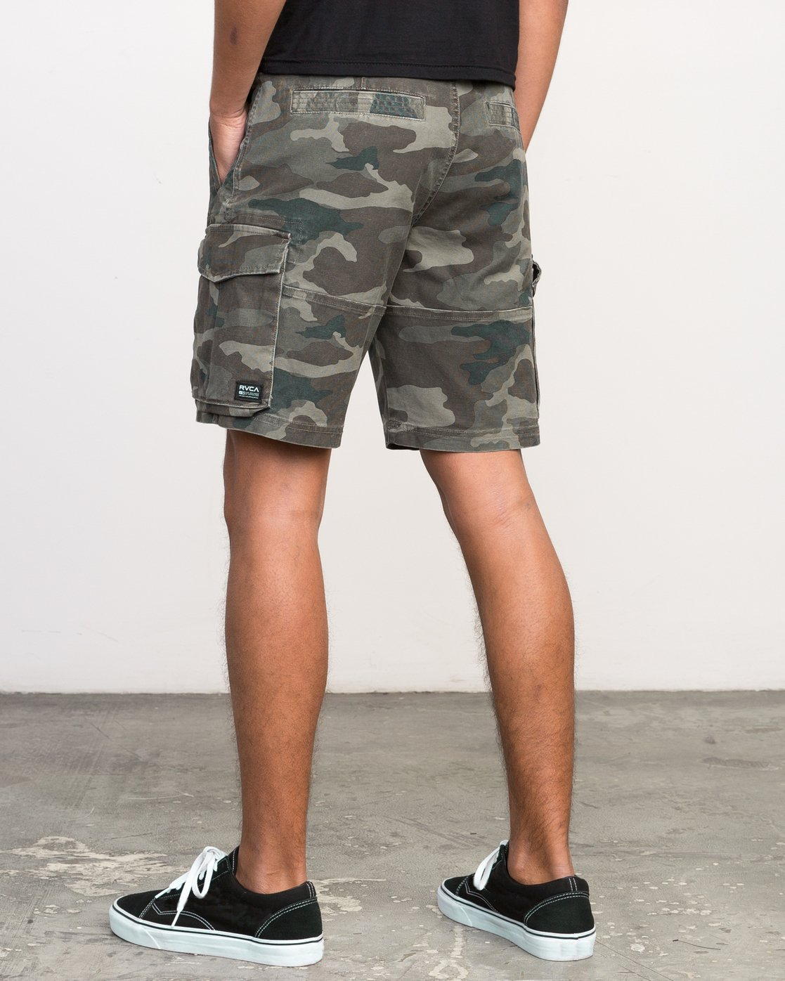 3 Wannabe Cargo Short Brown M209PRWA RVCA