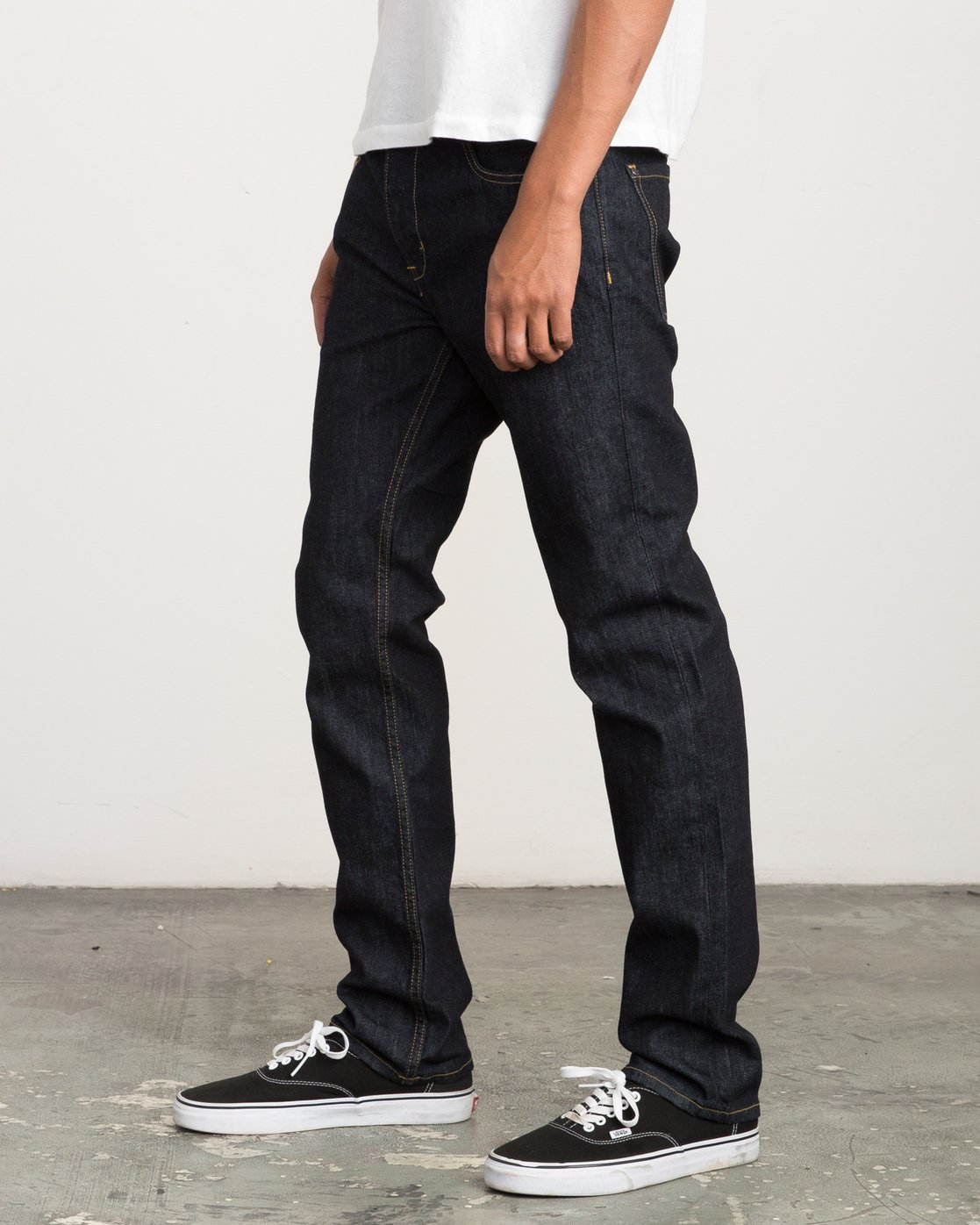 1 Hexed Slim Fit Denim  M304QRHD RVCA