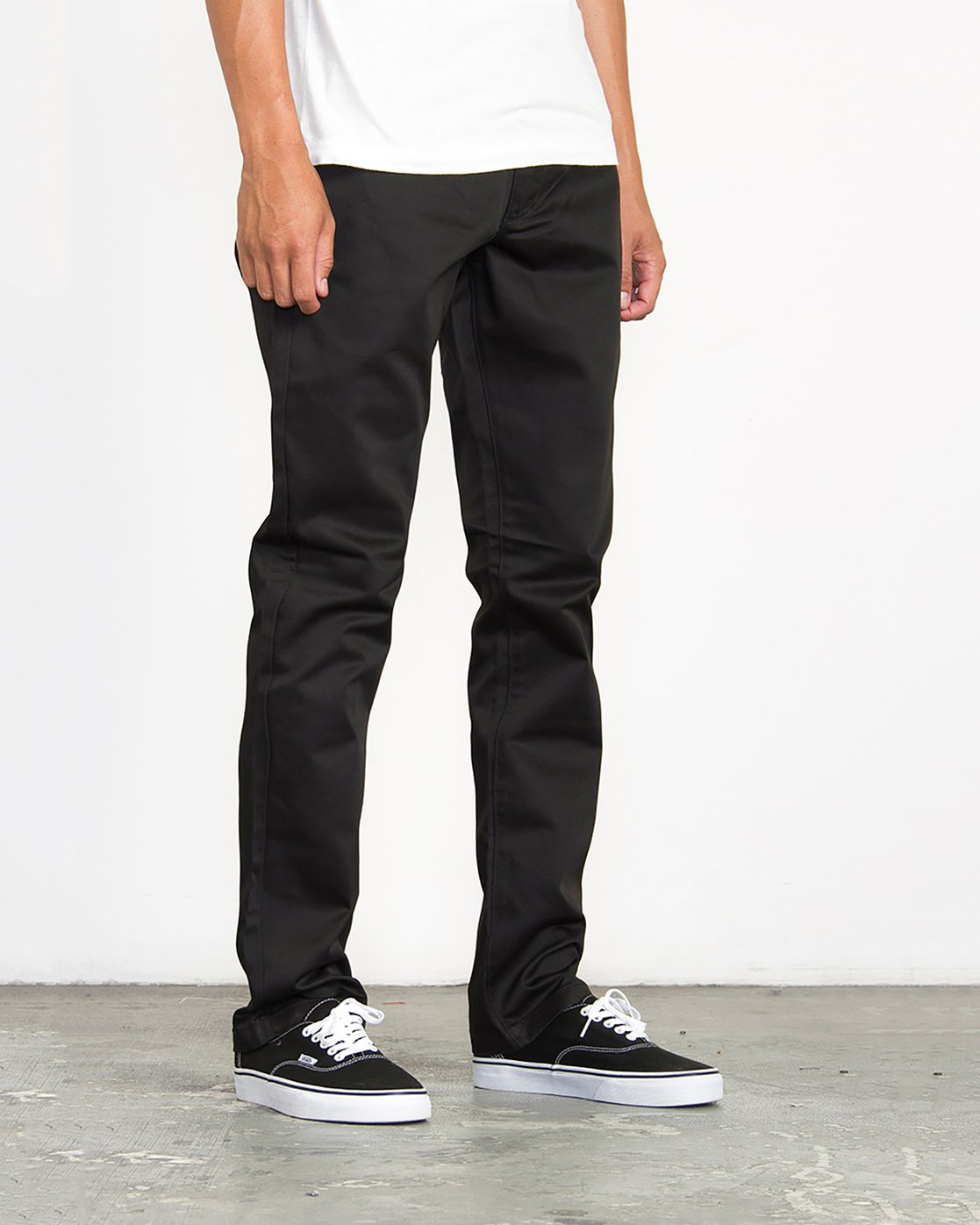 4 Week-End Pants Black M3307WEP RVCA