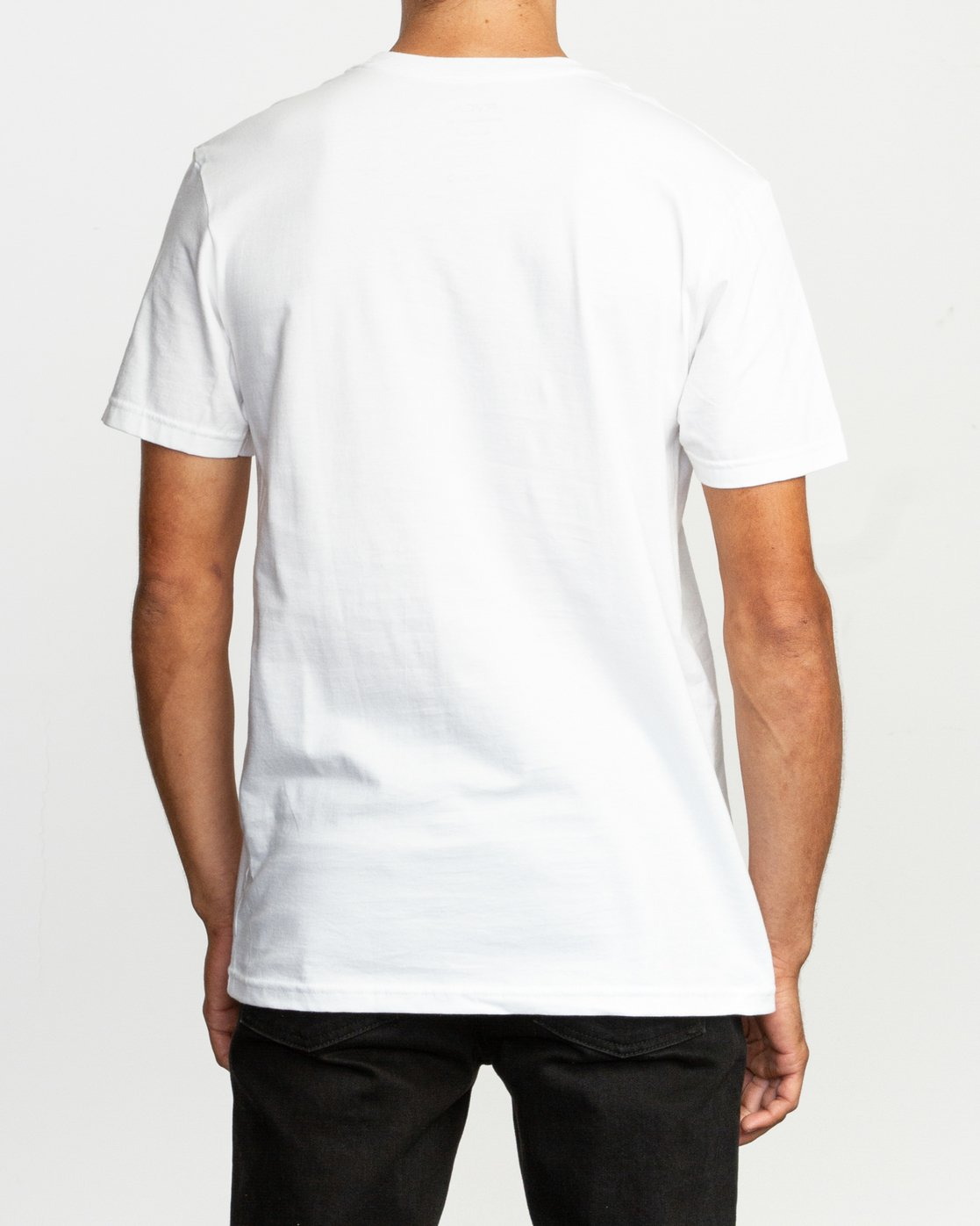 3 Motors Fill T-Shirt White M401TRMO RVCA