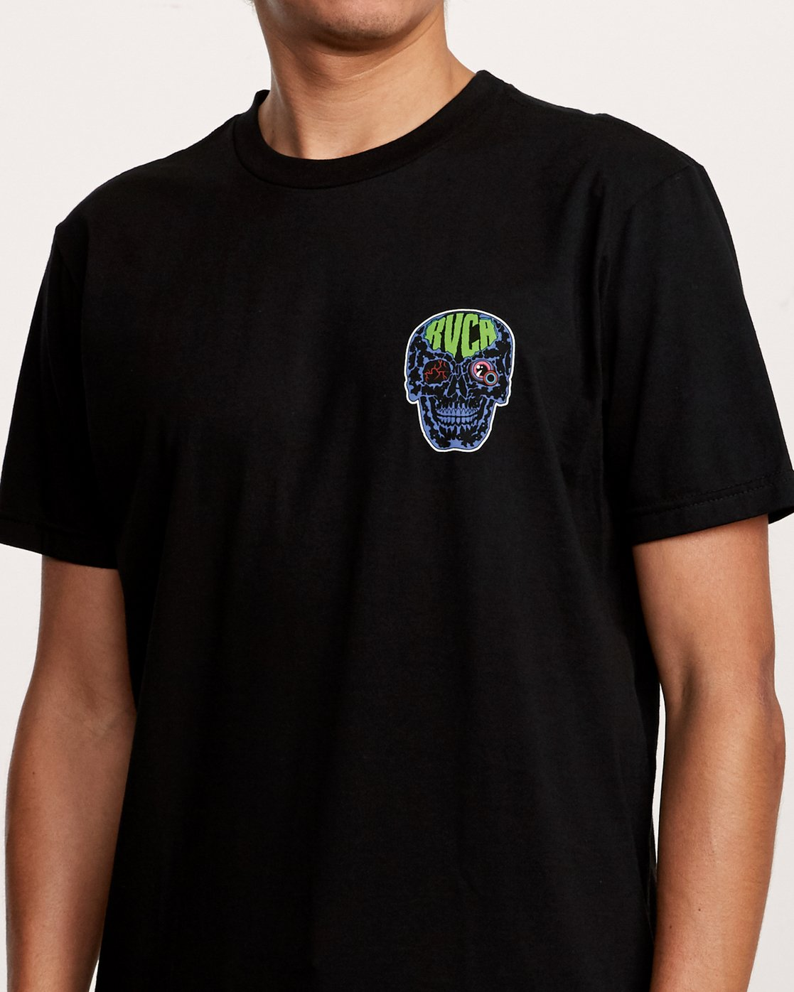 4 Dmote Electric Skull T-Shirt Black M401VREL RVCA